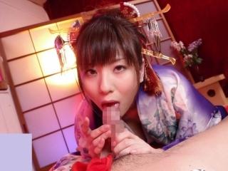 【麻美ゆま】花魁コスプレで淫語を囁きながら卑猥な音を立てながらフェラ抜きする美女