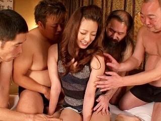 咲田うらら