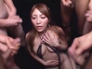 【桜ここみ】エロいランジェリー姿でほろ酔いになって何本も肉棒を咥えてフェラ抜きする美女