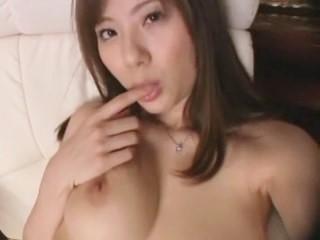 【麻美ゆま】性欲を持て余したお嬢様の淫語自画撮りオナニー