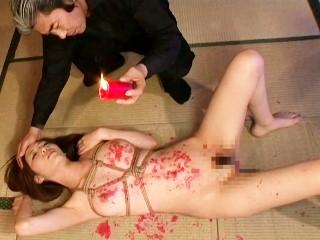 《M嬢フェチ》縄で緊縛された状態でロウソクと鞭で責められるドM美女【榊なち】