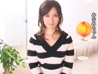【小島みなみ】笑顔の可愛いアニメ声美少女の濃厚ガン突きセックス!