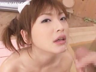 【高岡紗英】メイドコスプレ姿で椅子洗いプレイからフェラ抜き顔射でご奉仕してくれる美人ソープ嬢