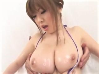 浜崎りお(森下えりか、篠原絵梨香)