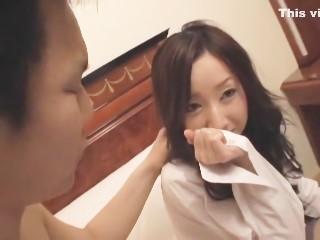 【堀北はるか】ロリ可愛い美少女女子校生が彼氏とイチャつきながら仲直りフェラ抜きプレイ!
