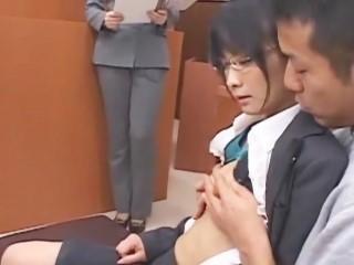 【七原えり】ありえないシチュエーションでセックス!裁判所で傍聴人に見守られながらハメられう美人弁護士
