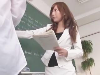 【小西那奈】鬼畜生徒にリモコンローターで悪戯されながらフェラ抜きさせられる美人女教師