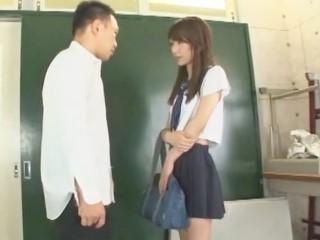 女子校生は男の娘。 橘芹那