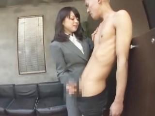 超絶サディスティック淫乱手淫社員