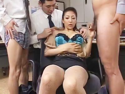社長秘書はインテリ痴女 香椎杏子